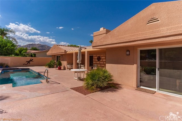 73181 Skyward Way, Palm Desert CA: http://media.crmls.org/medias/45f2a691-a9da-4b51-8325-8983c36042c7.jpg