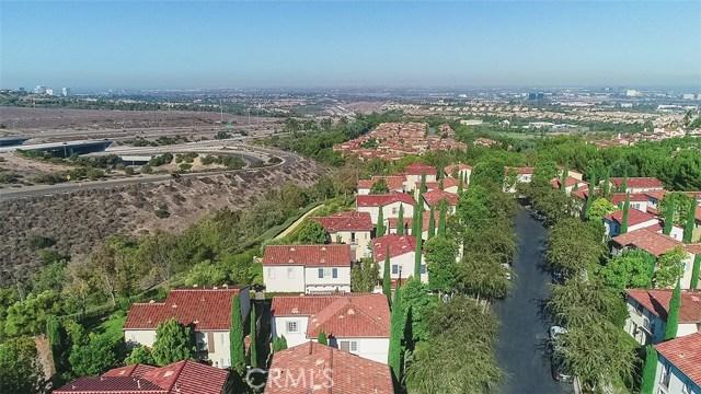 40 Gardenpath, Irvine CA: http://media.crmls.org/medias/45ff4b7e-f0ca-4dc7-b1cb-64f1f765f744.jpg