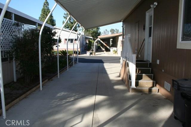 24001 Muirlands Boulevard, Lake Forest CA: http://media.crmls.org/medias/46012c9a-183f-4f22-afe5-c30b01d66b5c.jpg