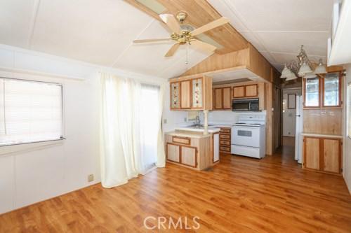 1295 S Cawston Avenue Unit 32 Hemet, CA 92545 - MLS #: TR18188247
