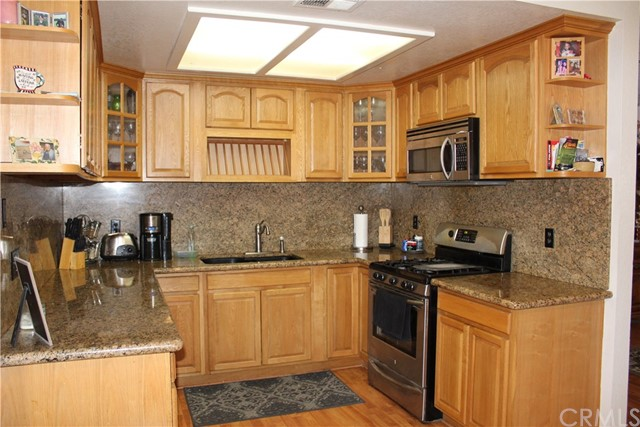 11033 Merino Avenue, Apple Valley CA: http://media.crmls.org/medias/460fed61-673c-4e62-99c1-638df6665dbf.jpg