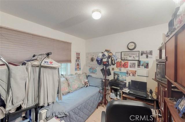 519 E Hazel Street, Inglewood CA: http://media.crmls.org/medias/4613cad0-c58e-4a15-84c1-18de0042d628.jpg