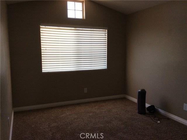 10809 Sunnyside Drive, Yucaipa CA: http://media.crmls.org/medias/461bf2f0-5e59-4c10-97d7-b6d67998e955.jpg