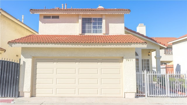 Single Family Home for Sale at 7911 Walker Avenue Cudahy, California 90201 United States