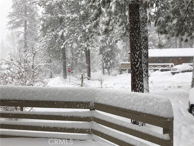 1950 Twin Lakes Drive, Wrightwood CA: http://media.crmls.org/medias/462372f1-bffb-463d-aa83-7930188c3684.jpg