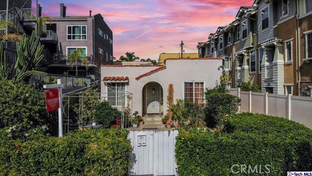 6523 LA MIRADA Avenue Los Angeles CA 90038