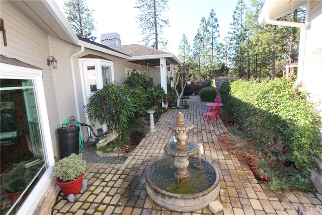 9183 Fox Drive, Cobb CA: http://media.crmls.org/medias/462be43d-bfd1-4925-8b9b-e5beb192681f.jpg