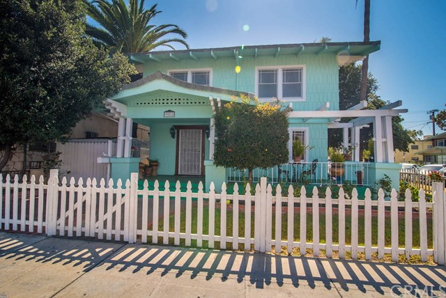 902 Cedar Avenue, Long Beach, CA, 90813