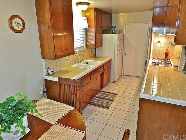 562 E Kenbridge Drive, Carson CA: http://media.crmls.org/medias/4642e14e-22d2-4c71-97ed-117687a36b1d.jpg
