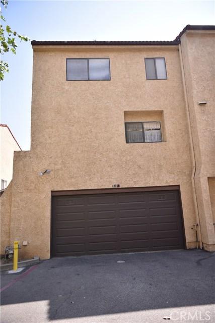230 N Sierra Vista Street, Monterey Park CA: http://media.crmls.org/medias/46485389-dd74-4a3d-8899-16e656fe97dc.jpg