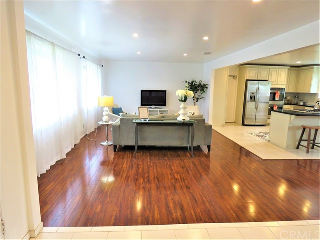1124 W La Entrada Cr, Anaheim, CA 92801 Photo 8