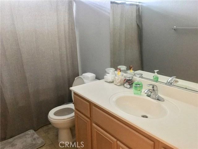 1442 De Anza Drive, San Jacinto CA: http://media.crmls.org/medias/4661ce28-8b09-4a0c-b08f-846c3e16b198.jpg