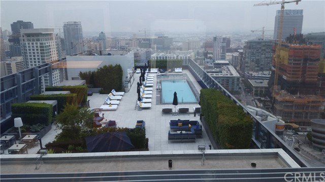 900 W olympic # 27e Los Angeles, CA 90015 - MLS #: OC17132108
