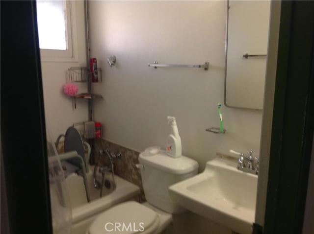1527 E Fresno Street, San Bernardino, California 91764, 3 Bedrooms Bedrooms, ,2 BathroomsBathrooms,HOUSE,For sale,Fresno,EV15256552