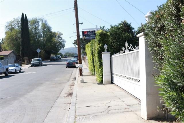 317 S 4th Avenue, La Puente CA: http://media.crmls.org/medias/4676ebac-f626-4d05-a9b4-7d4c5e9d47f9.jpg