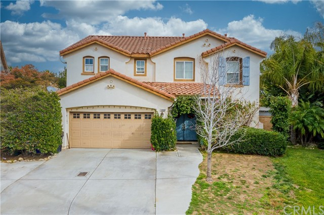 Detail Gallery Image 1 of 1 For 16880 Scioto Pl, Fontana,  CA 92336 - 5 Beds | 2/1 Baths