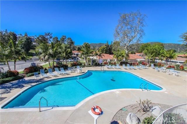 2115 Via Puerta, Laguna Woods CA: http://media.crmls.org/medias/4687bb09-519c-4f6f-b227-00f18e474421.jpg