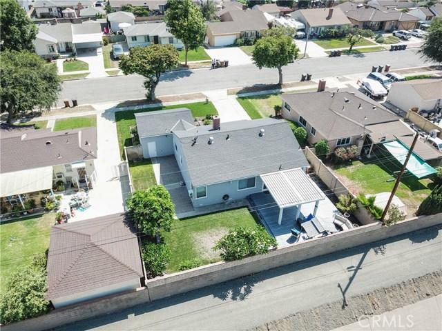 425 W Knepp Avenue, Fullerton CA: http://media.crmls.org/medias/46896344-e13f-49a8-9842-3ef3acf68f43.jpg