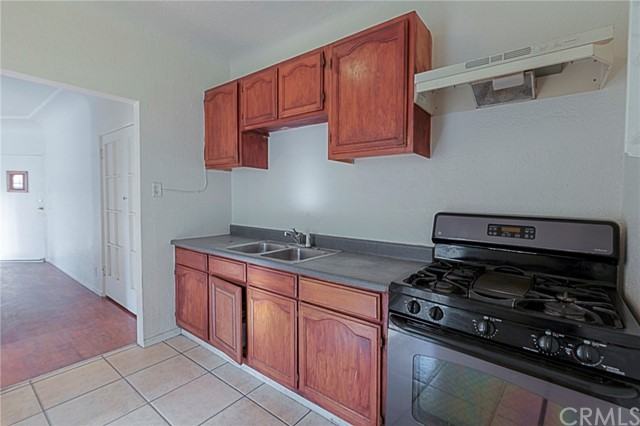Additional photo for property listing at 1822 8th Street 1822 8th Street Long Beach, Καλιφορνια,90813 Ηνωμενεσ Πολιτειεσ