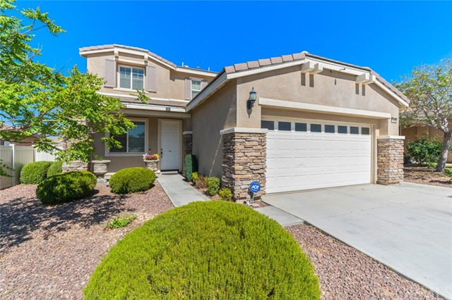 Detail Gallery Image 1 of 1 For 16688 Ukiah St, Victorville, CA 92394 - 4 Beds | 2/1 Baths