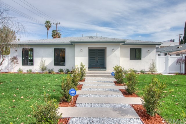 Single Family Home for Sale at 6456 Peach Avenue Van Nuys, California 91406 United States