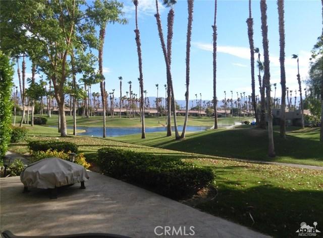 76775 Daffodil Drive, Palm Desert CA: http://media.crmls.org/medias/46a91102-c6fb-4fb5-a1af-f709bd419685.jpg