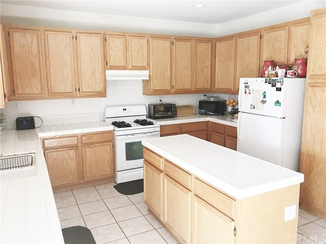 14319 Annaleigh Court Moreno Valley, CA 92555 - MLS #: CV17143988