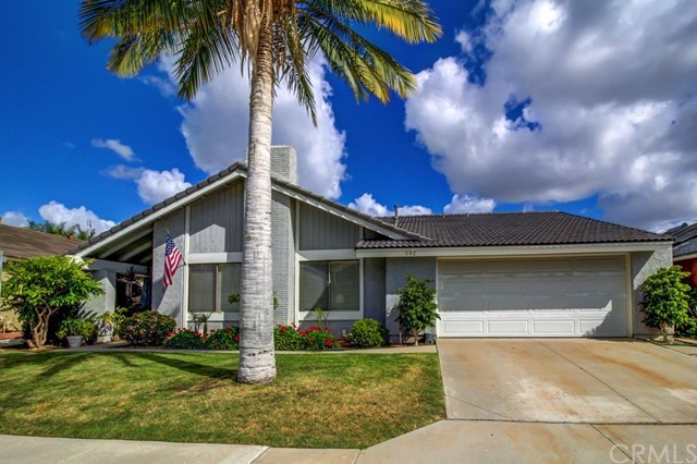992 Carnation Avenue Costa Mesa CA  92626