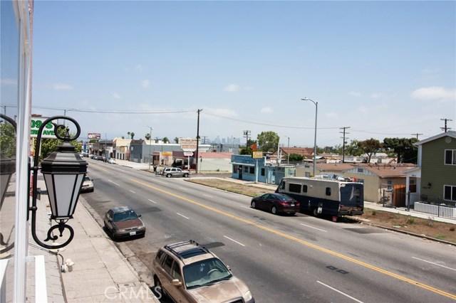 7817 S Western Avenue, Los Angeles CA: http://media.crmls.org/medias/46bc8510-f7a0-472f-b742-376c28f7e6fe.jpg