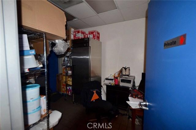 2682 E Garvey S Avenue, West Covina CA: http://media.crmls.org/medias/46bf9012-b6ab-4f0a-b7a7-5825d31a781a.jpg