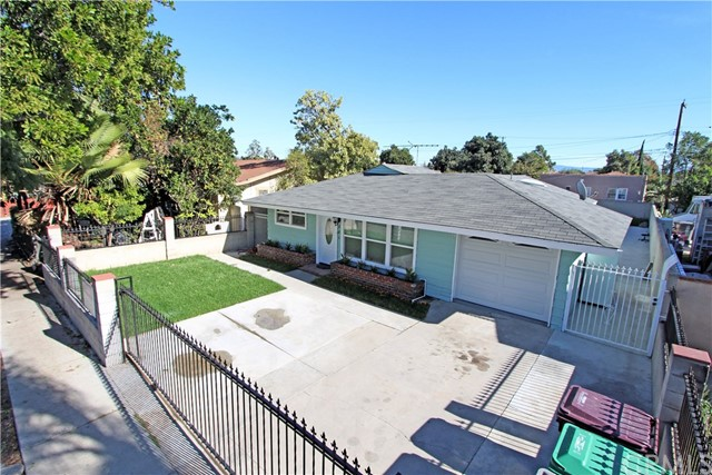 Single Family Home for Sale at 301 Bewley Street N Santa Ana, California 92703 United States