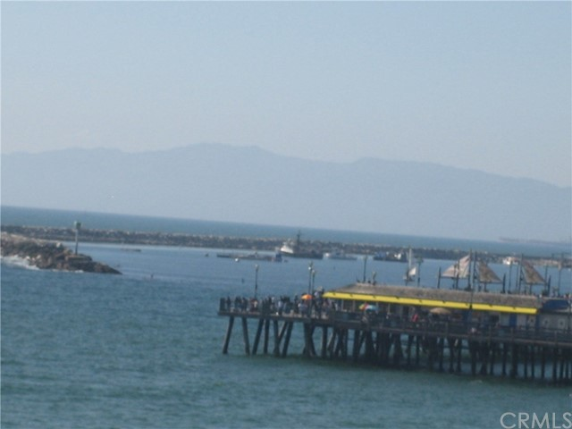 401 401-417 Pacific Coast Hwy, Redondo Beach CA: http://media.crmls.org/medias/46c1f32c-c0c8-4a12-a9d8-233a4d1cb710.jpg