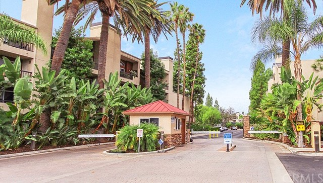Photo of 5515 Canoga Avenue #217, Woodland Hills, CA 91367