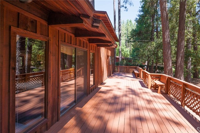 15555 Nopel Avenue, Forest Ranch CA: http://media.crmls.org/medias/46c84ea3-8f7d-4f93-9898-1c9da6f99e3e.jpg
