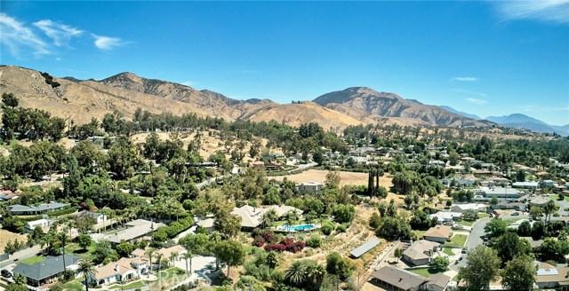1406 E Ralston Avenue, San Bernardino CA: http://media.crmls.org/medias/46c954c5-64d0-4259-a431-86cc3e7f7fd0.jpg