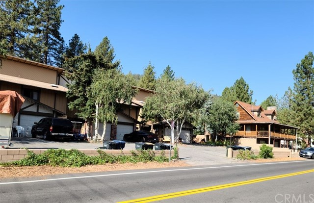 1111 Apple Avenue, Wrightwood CA: http://media.crmls.org/medias/46ca9f10-5bcc-4cfb-980c-60facae89768.jpg