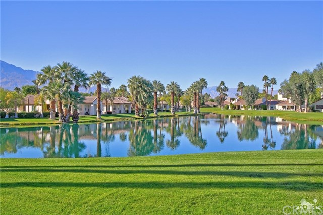 Condominium for Sale at 454 Sunningdale Drive 454 Sunningdale Drive Rancho Mirage, California 92270 United States