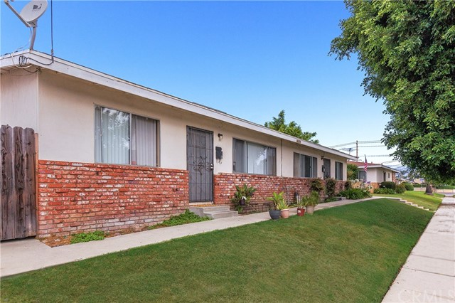 17541 Jefferson Lane Huntington Beach, CA 92647 is listed for sale as MLS Listing IG17163240