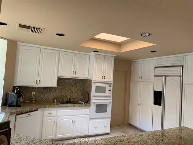 37 Colgate, Rancho Mirage CA: http://media.crmls.org/medias/4715e35d-ad98-46ee-bbeb-83c9e61f093a.jpg