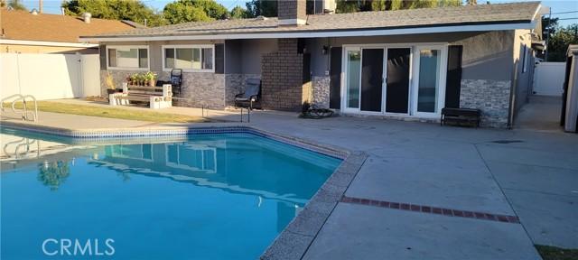 18643 Chase Street, Northridge CA: http://media.crmls.org/medias/4718dc6b-26d4-4e00-84f7-59ffa66798a0.jpg