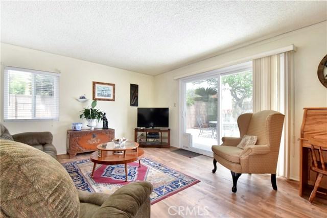 6209 Hungerford Street, Lakewood CA: http://media.crmls.org/medias/472a17d6-1f2b-409a-91c6-75a1a23db426.jpg