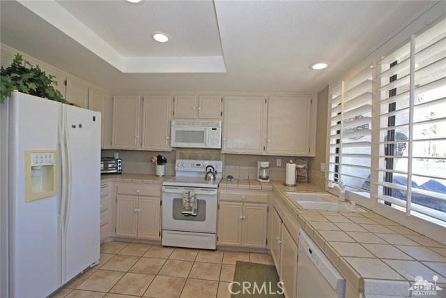 140 Avenida Las Palmas, Rancho Mirage CA: http://media.crmls.org/medias/47549be2-bc90-4ebc-851b-fc97e0ca2257.jpg