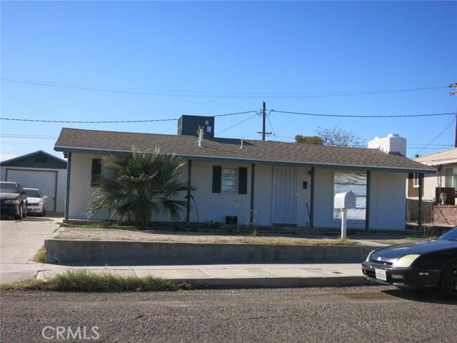 117 Erin Drive, Needles CA: http://media.crmls.org/medias/4765311f-adcc-476b-bed7-a7d0af19d596.jpg
