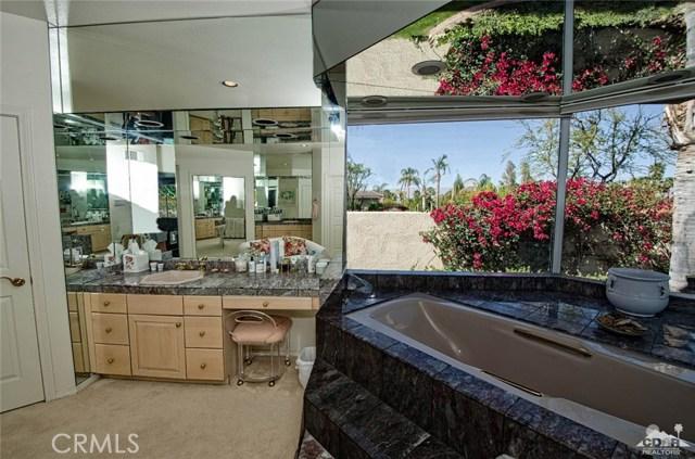 48870 View Drive, Palm Desert CA: http://media.crmls.org/medias/47783f55-8fcd-4f34-81c6-61ab5c79f452.jpg