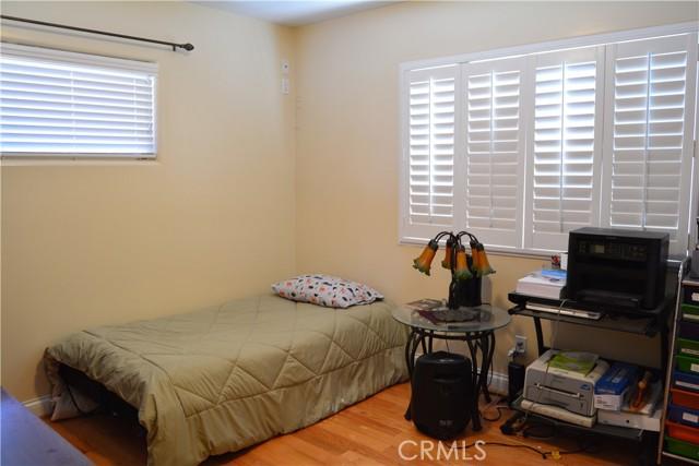 26508 President Avenue, Harbor City CA: http://media.crmls.org/medias/479c7aeb-631b-4cef-bd3f-042b21e8e10b.jpg