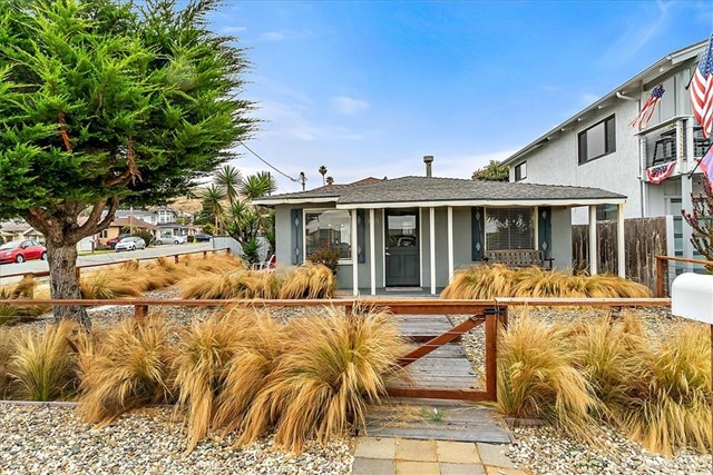 Detail Gallery Image 1 of 25 For 1301 Pacific Ave, Cayucos, CA 93430 - 2 Beds | 1 Baths
