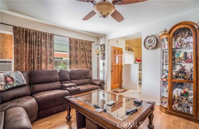 427 E Maple Avenue, Monrovia CA: http://media.crmls.org/medias/47ae5eec-bbb3-4968-80b5-1f6bf412aba8.jpg