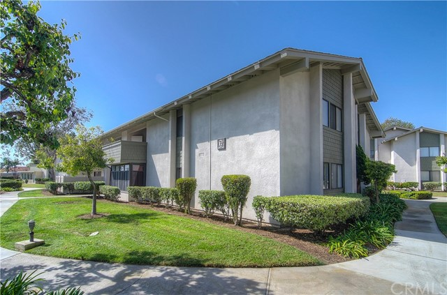 8633 Portola Court Huntington Beach, CA 92646 OC17201008