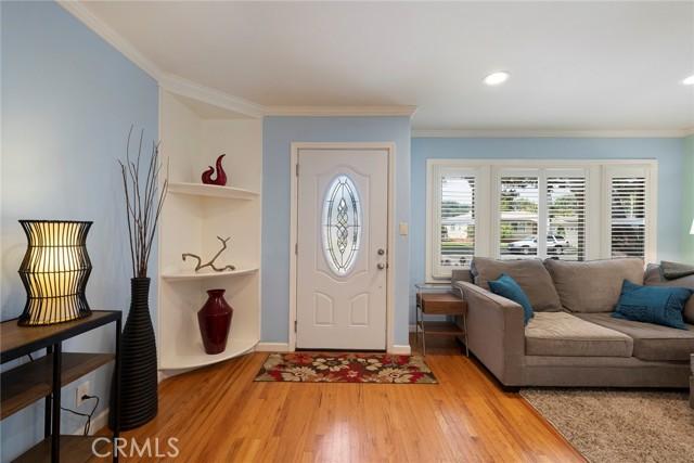1004 Nutwood Avenue, Fullerton CA: http://media.crmls.org/medias/47d69f18-cdf4-4514-8c2d-7bea0374bad4.jpg