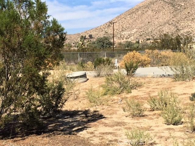 7243 Mohawk Trail, Yucca Valley CA: http://media.crmls.org/medias/47e7a9c2-d11e-44ee-9466-e289d9069950.jpg